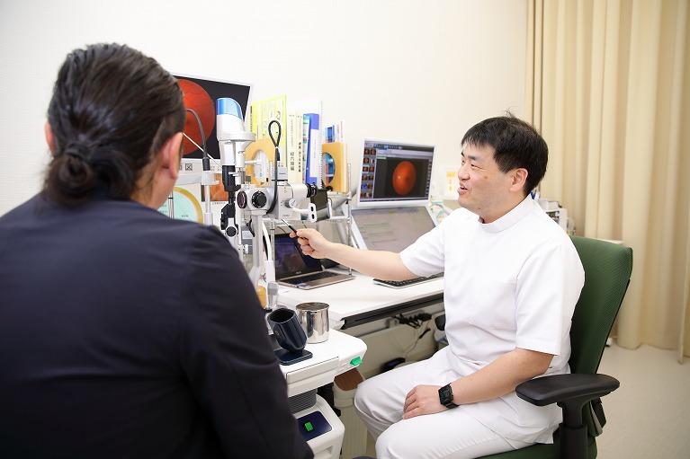 定期的な眼科受診を